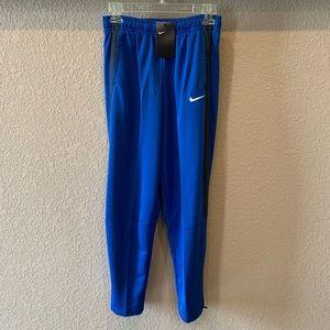Women's Nike sweatpants. NWT. Size XL.